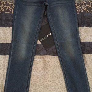 Denim - Fashion nova jeans brand new they don't fit me